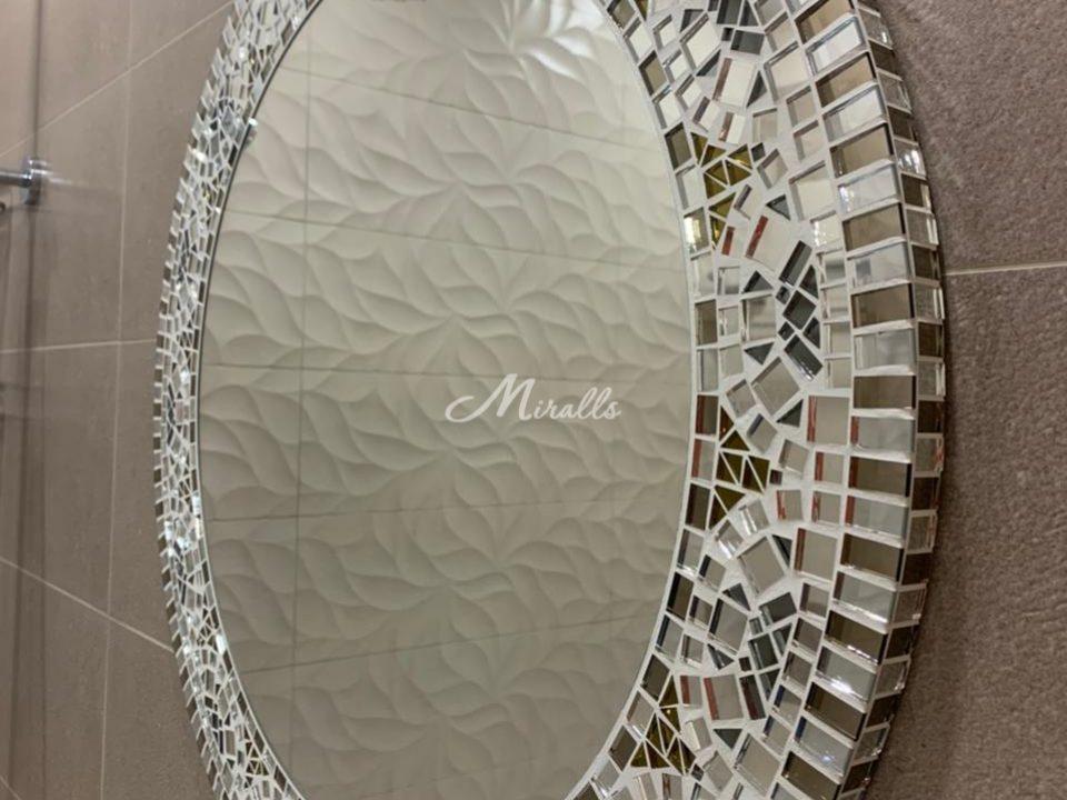 Зеркало Mosaic крупным планом