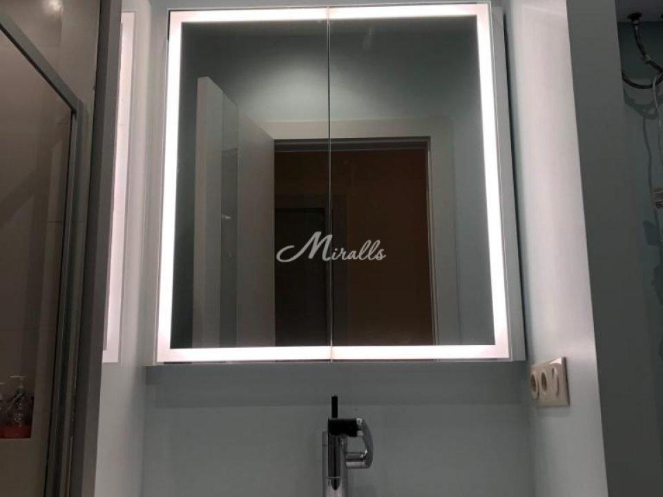 Зеркальный шкаф Aksent с холодной подсветкой