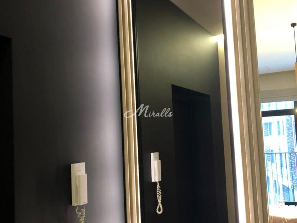 Зеркало Bruno в черной раме с холодным светом