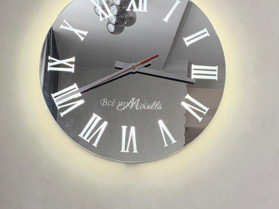 Часы с подсветкой Tempo в ЖК Tribeca