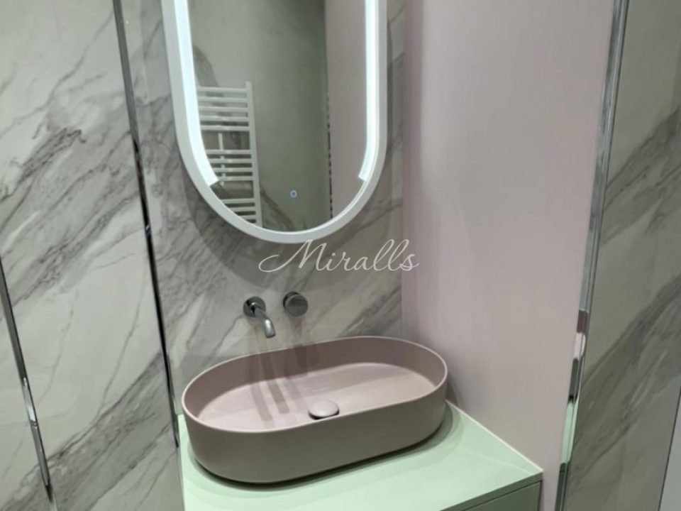 Зеркало Miranda с выключателем тач-круг, холодный свет