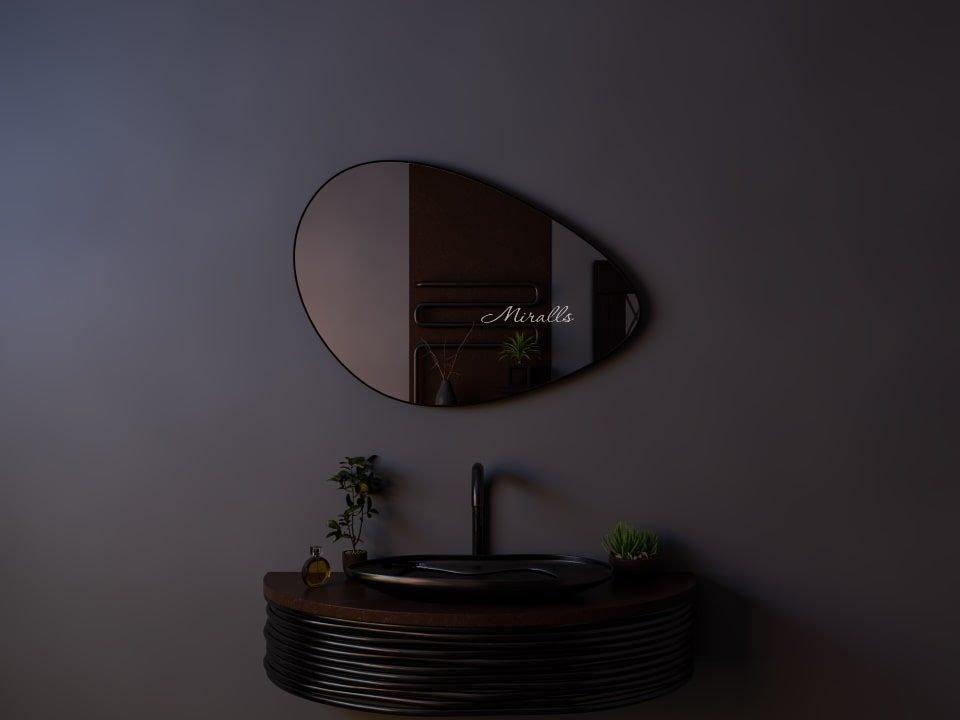 дизайнерское фигурное зеркало без подсветки - Amanda