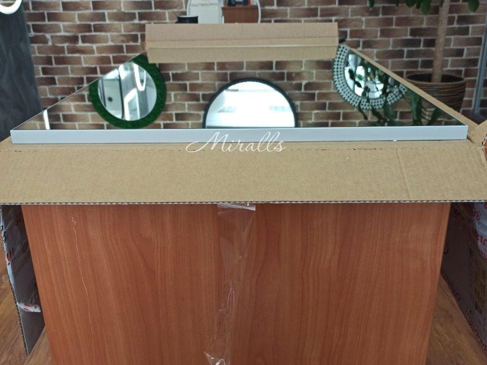 прямоугольное зеркало без подсветки в серой раме Galla New