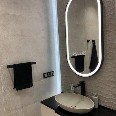 капсульное зеркало Ameli Plus с фронтальной подсветкой в ванне