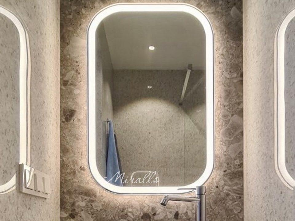 Капсульное зеркало Grace Extra в ванне