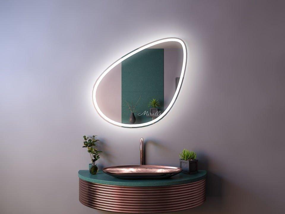 красивое зеркало Renata Plus с интерьерной и фронтальной подсветкой