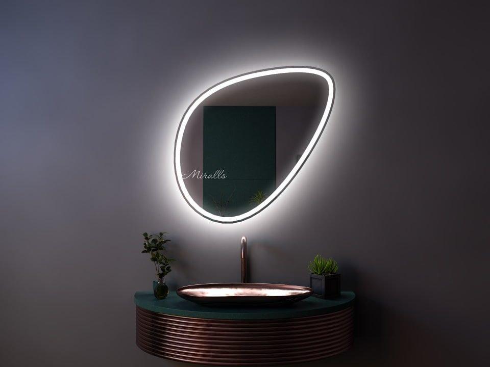 Красивое зеркало с интерьерной и фронтальной подсветкой Dana Plus