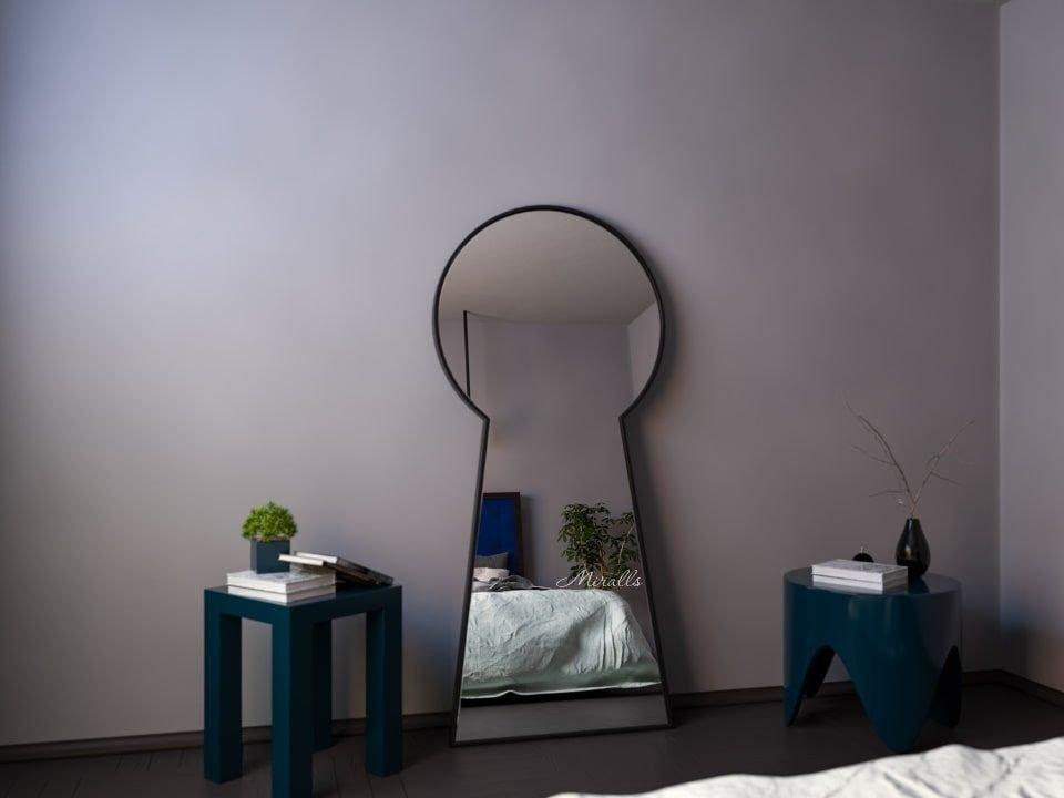 напольное зеркало Secret в виде замочной скважины