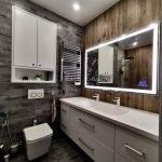 прямоугольное зеркало Edging с аудиосистемой в ванне