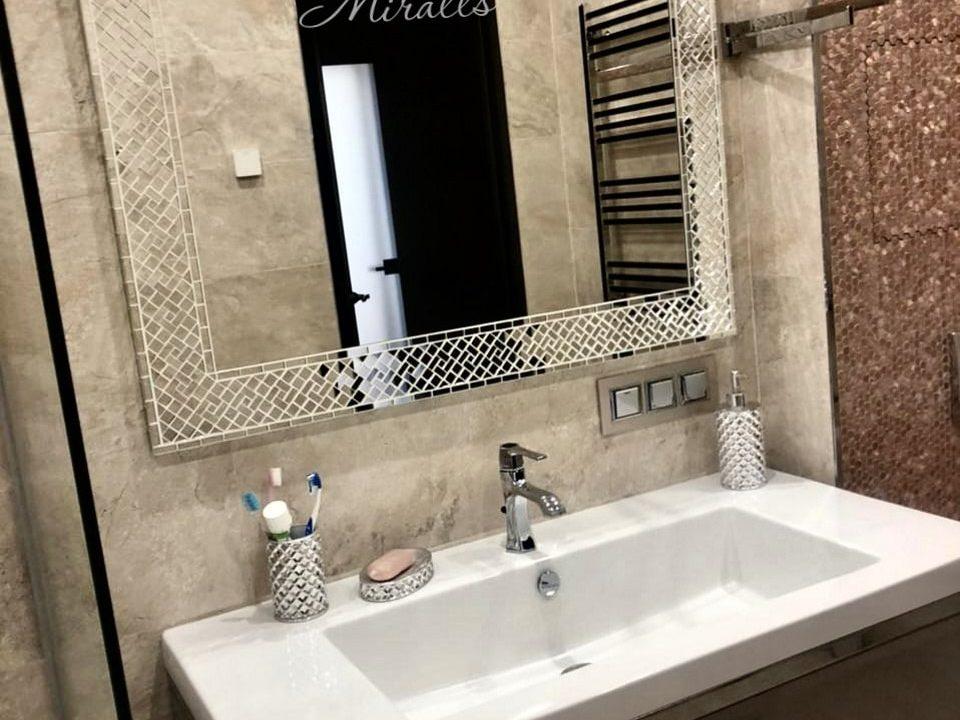 зеркало Antique в ванне