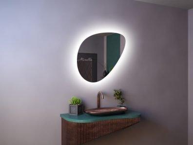 зеркало необычной формы Dana Extra с интерьерной подсветкой