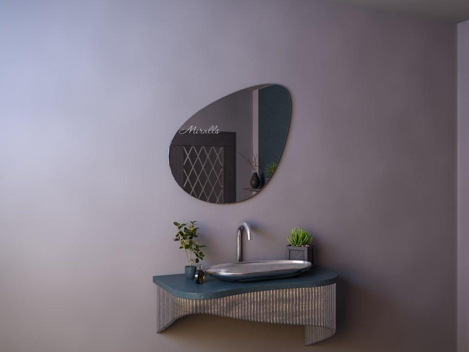 зеркало необычной формы Renata без подсветки