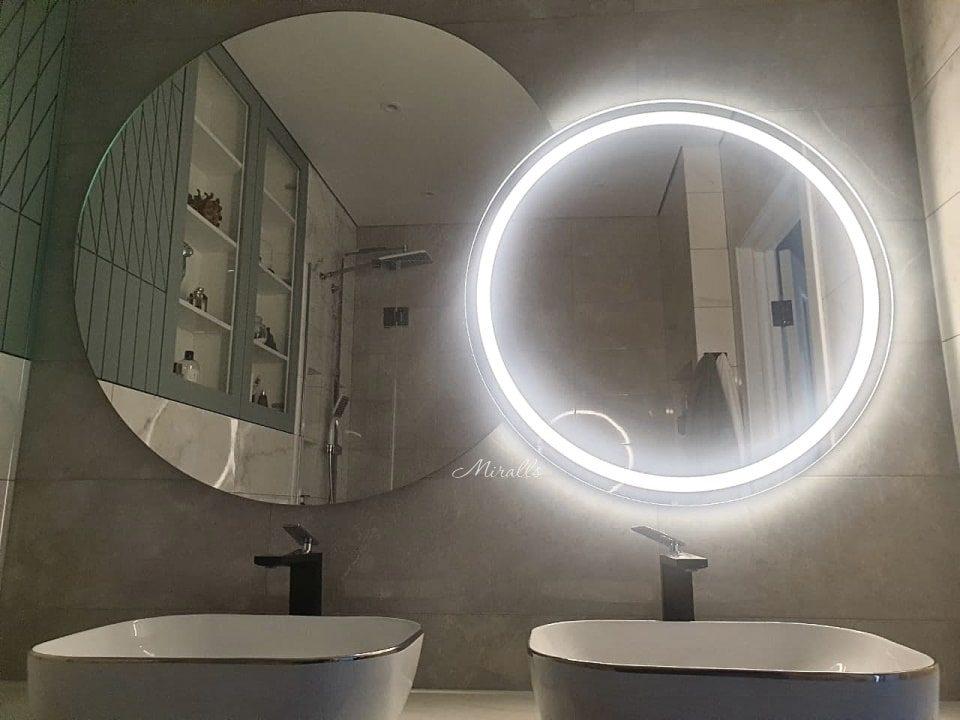 зеркало с интерьерной и фронтальной подсветкой в ванне Satellite Plus