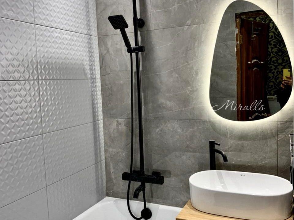 зеркало с подсветкой Pandora Extra в ванной комнате