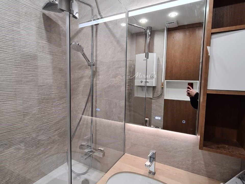 зеркало с подсветкой в ванной Norma
