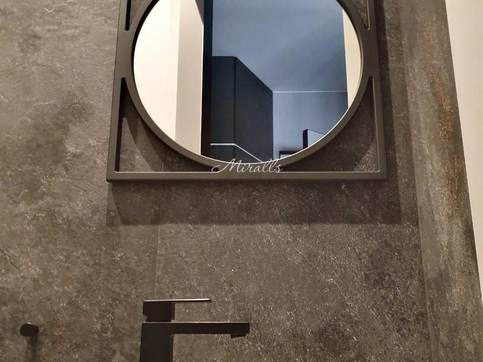 зеркало в раме без подсветки в ванной Madonna