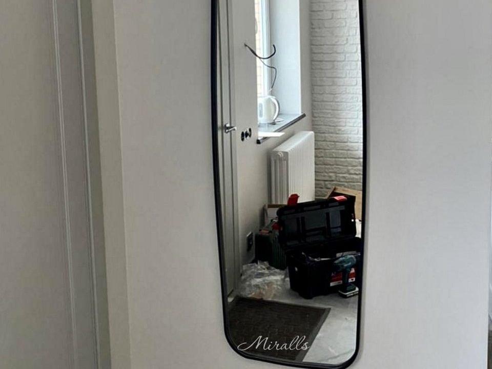 зеркало в раме в прихожей без подсветки Queen