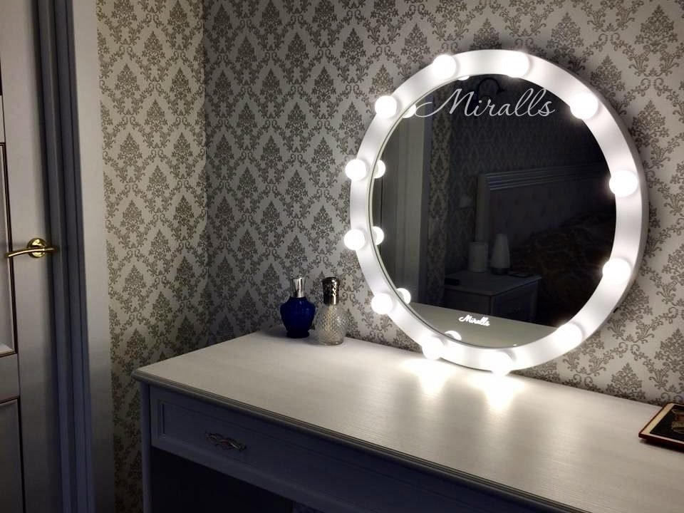Гримерное зеркало Burlesque в спальне