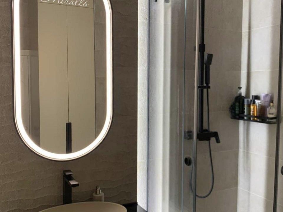 Капсульное зеркало Ameli Plus с фронтальной подсветкой в раме