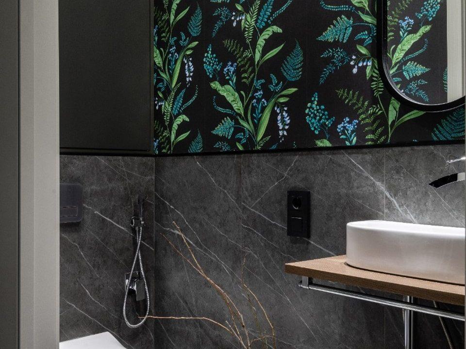 Капсульное зеркало без подсветки Alba в ванне