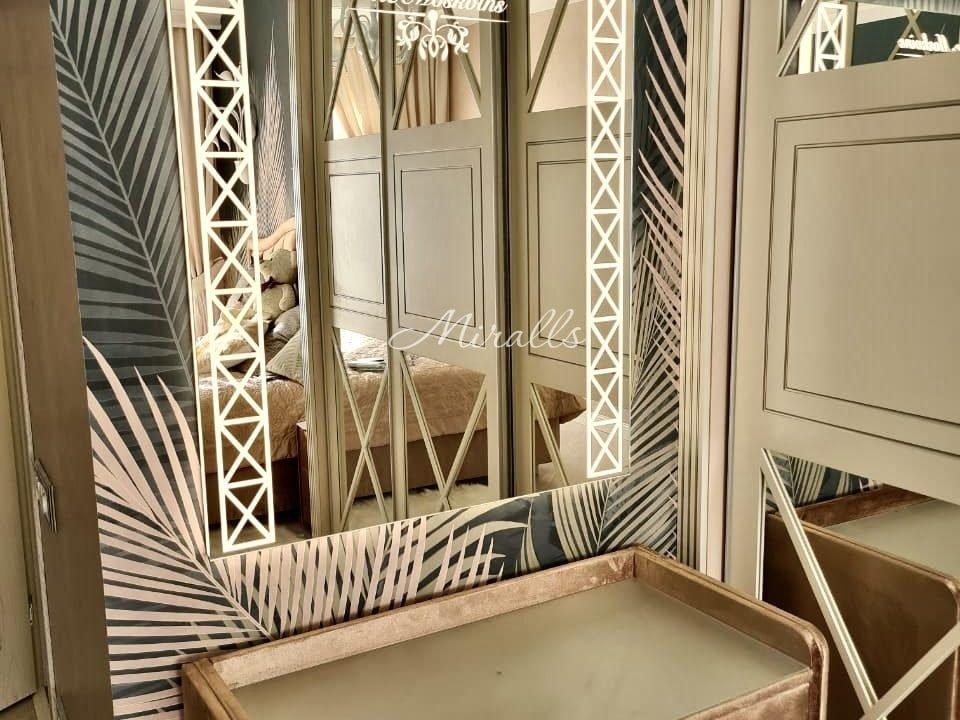 Прямоугольное зеркало Zodiac с подсветкой в комнате