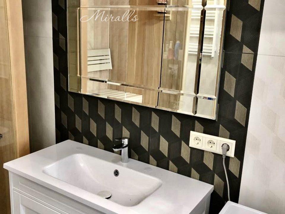 Зеркальное панно Bonaparte в ванне