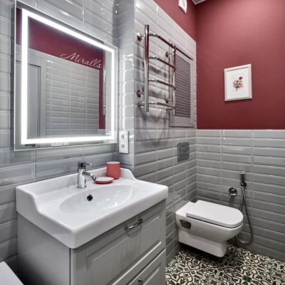 Зеркало Edging с подсветкой в ванне