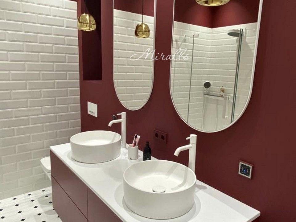 Зеркало без подсветки Berta в ванне