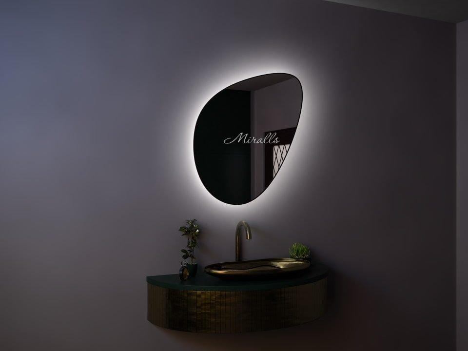 зеркало необычной формы Mystic Extra с интерьерной подсветкой в раме МДФ