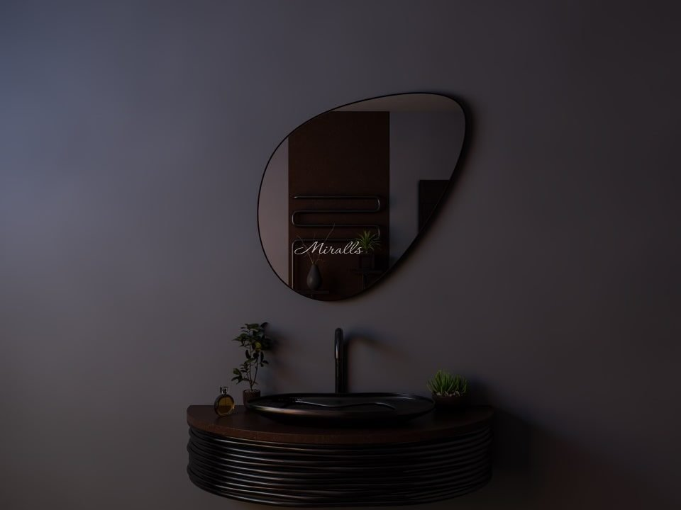 зеркало необычной формы Mystic без подсветки в раме