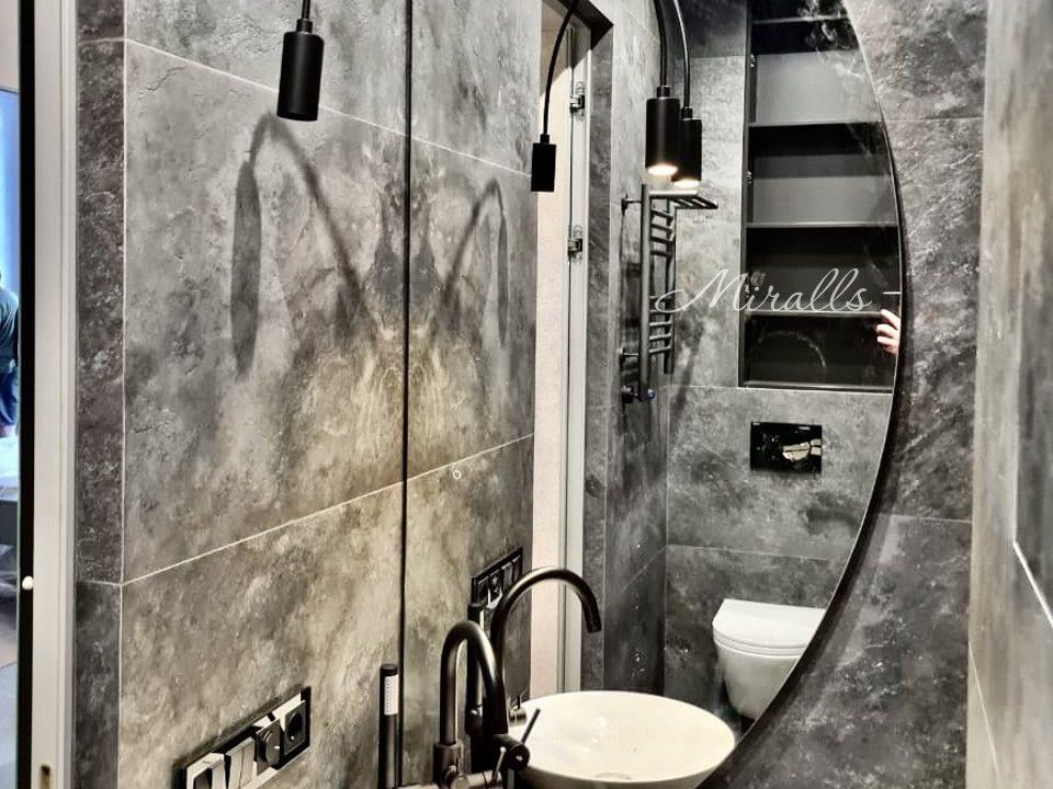 Зеркало полукруглой формы Enigma в ванне