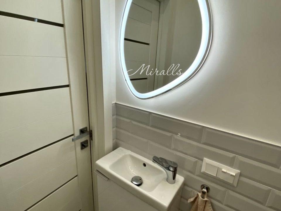Зеркало с фронтальной подсветкой Onyx Plus в ванне