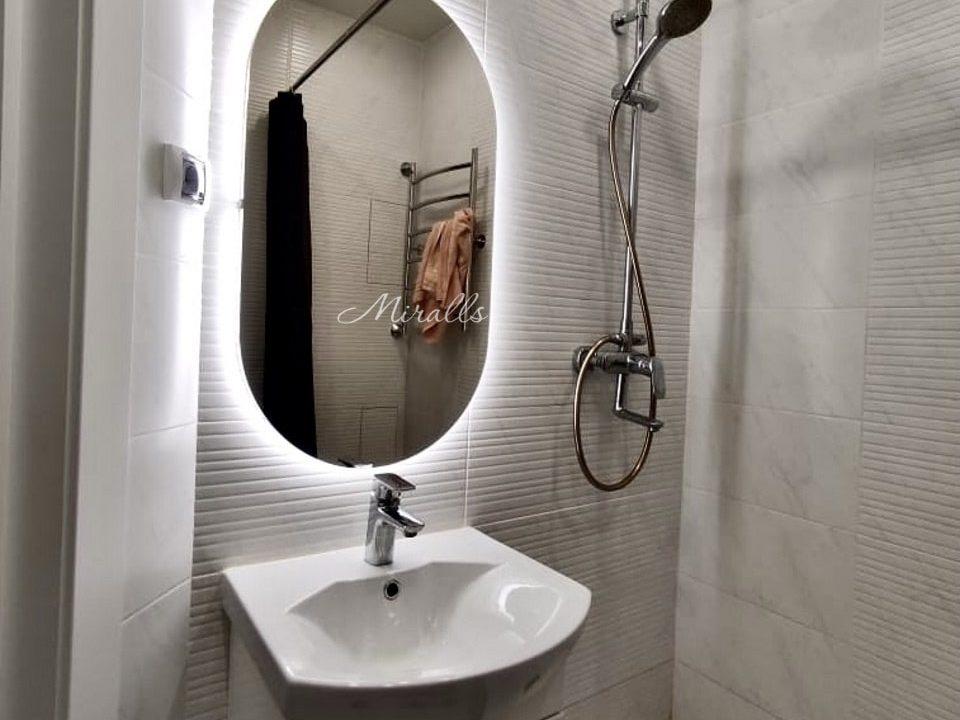 Зеркало с подсветкой Opera в ванной комнате