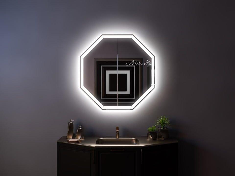 Дизайнерский зеркальный шкаф в ванную комнату Pablo Plus