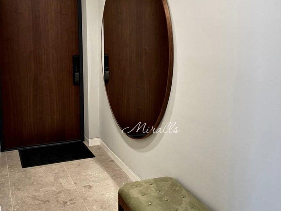 Круглое зеркало Medea в шпоне