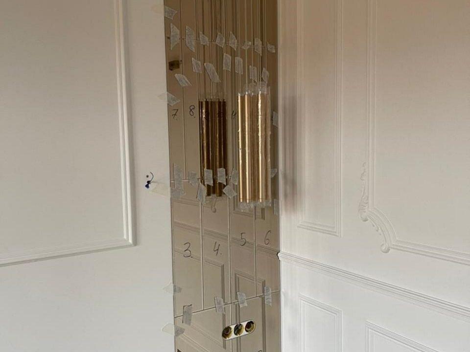 Зеркальное панно Allegro в комнате