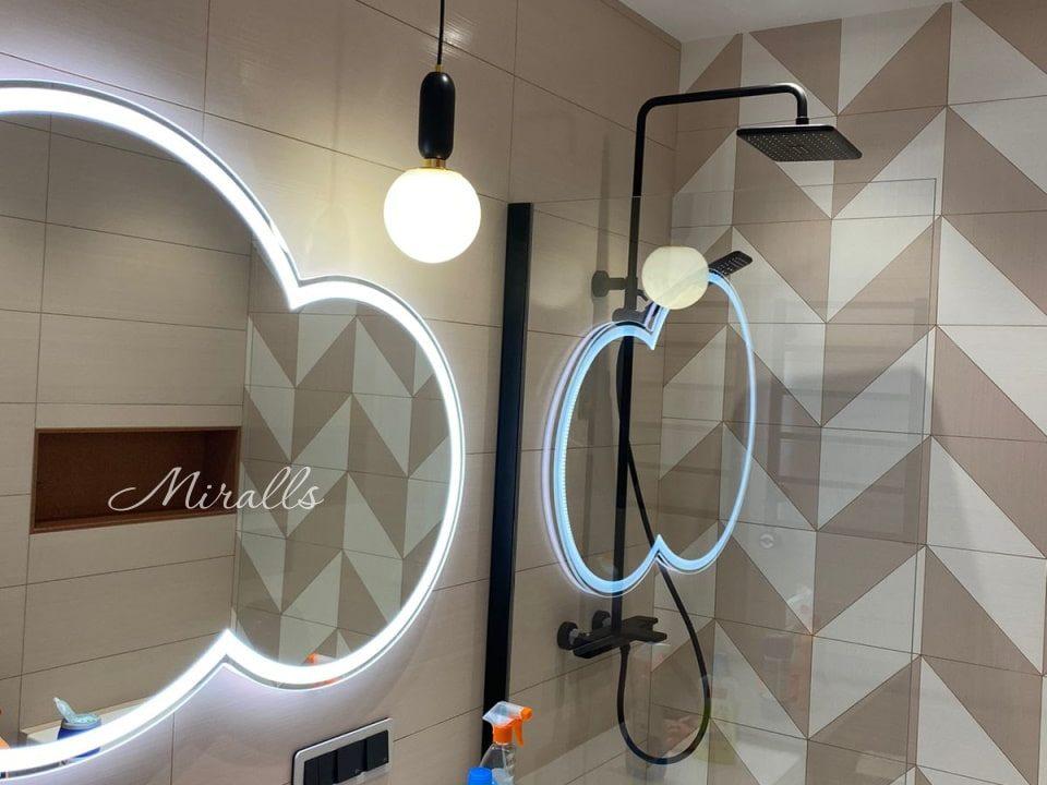 Зеркало с подсветкой Cloud Plus в ванной