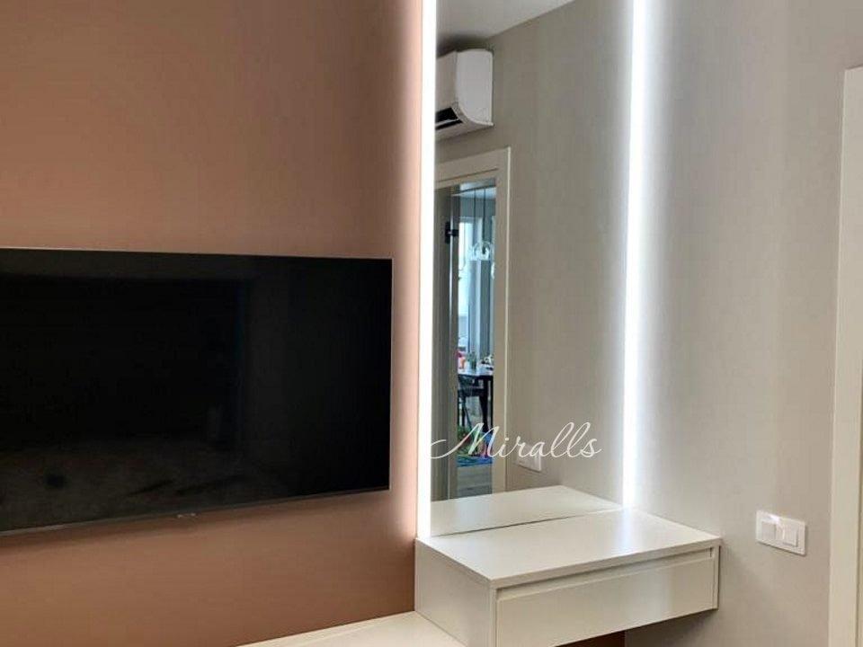 Зеркало в ванной с подсветкой по сторонам Adele