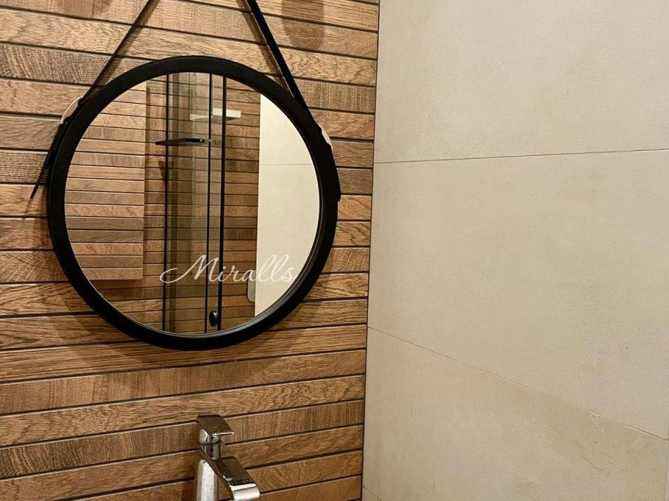 Зеркало Feona на ремне без подсветки в ванне